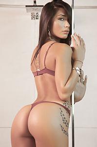 Belen Lavallen Sexy Shower