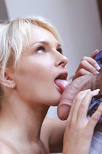 Ivana Sugar Loves To Suck