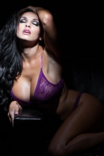 Iryna Ivanova Big Boobs In The Jungle 02