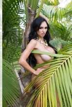 Iryna Ivanova Big Boobs In The Jungle 09