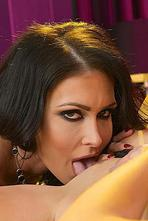 Jessica Jaymes Has Her Pussy Licked By Nikki Benz 08