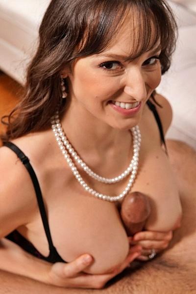 Unbelieveable MILF Lexi Luna Swallowing Tasty Sperm